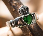 Irischer Freundschaftsring ~ CLADDAGH ~ Grünes Herz - Solvar Ring - Silber - Windalf.de