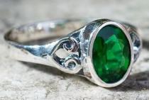 Elfen Damen Ring ~ TARA ~ 0.8 cm - Grüner Smaragd - Zirkonia Kristall - Vintage Silber - Windalf.de