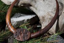 Wikinger Torques ~ SKAGAR ~ Ø 13 cm - Wikinger Knoten - Handarbeit aus Holz - Windalf.de