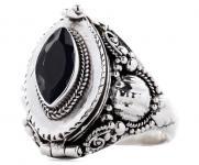 Mittelalter Giftring ~ ADÛNAI ~ h: 1.9 cm - Schwarzer Kristall - Handarbeit aus Silber - Windalf.de