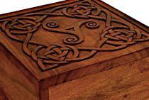 Große Mittelalter Holzkiste ~ ALVIN ~ b: 25 cm - Celtic Triskel - Handarbeit aus Holz - Windalf.de