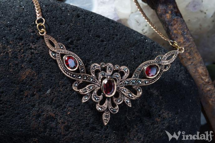 gotische halskette aladria mittelalter schmuck roter kristall bronze colliers windalf. Black Bedroom Furniture Sets. Home Design Ideas