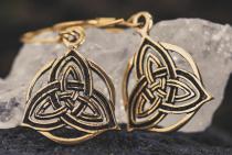 Ohrhänger ~ RHOANNON ~ h: 3.3 cm - Keltische Trinität - Bronze - Windalf.de