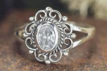 Mittelalter Ring ~ CISCANDRA ~ h: 1.3 cm - Blume mit weißem Stein - Silber - Windalf.de