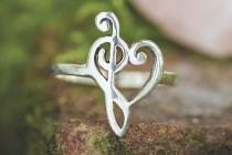 Zarter Fairy-Ring  ~ LIEBESELFE ~ h: 1.6 cm - Freundschaftsring - Herz mit Notenschlüssel - Silber - Windalf.de
